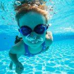 人気の習い事なのに? 「水泳は習わせなくて良い」の理由を探った!